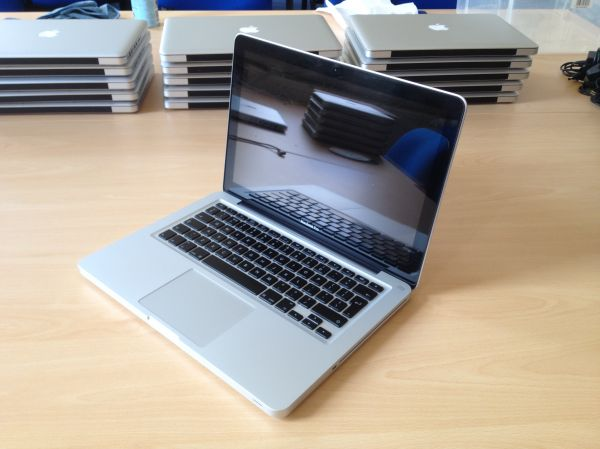 Apple Macbook Pro 13 Inch - Late 2009