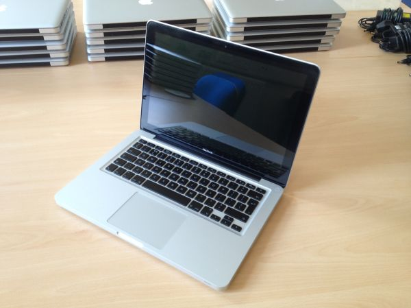 Apple Macbook Aluminum 13 inch - Late 2008